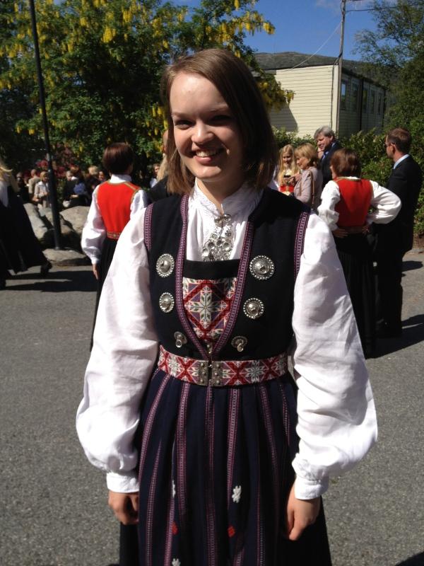 Ingrid Live, ferdig sykepleier 21 år gammel. her på siste dag på skolen!